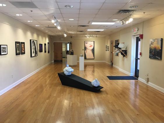 617Greenwood-AC-Hallway-view
